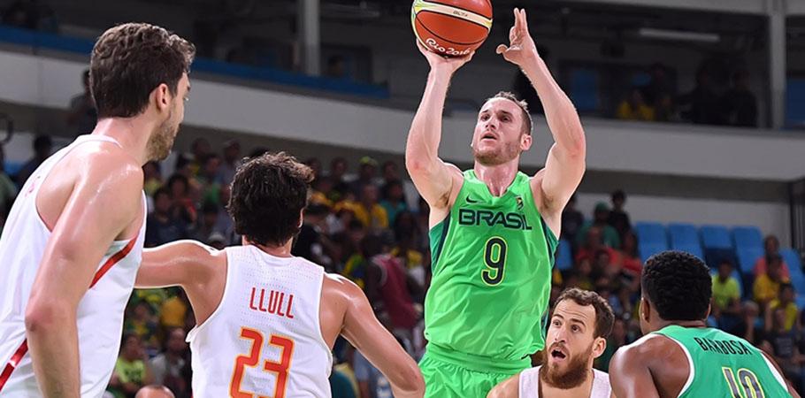 Marcelinho Huertas foi o cestinha brasileiro na partida. (Gasper Nobrega/FIBA)
