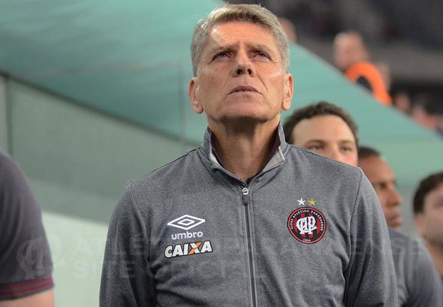 Autuori fala em encontrar soluções para perda de jogadores. (Divulgação/ Atlético)