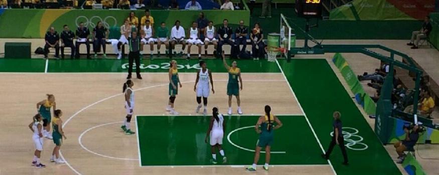 Brasil perdeu para Austrália no Basquete. (Alexandre Bittencourt/ COB)