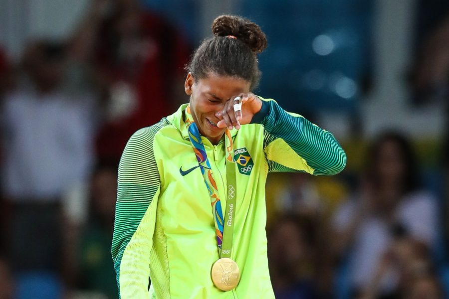 Rafaela Silva ganha a primeira medalha de ouro do Brasil. (William Volcov/Estadão Conteúdo)