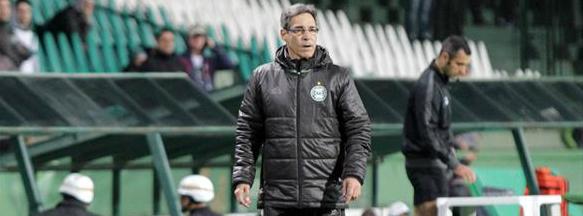 Carpegiani elogiou muito a equipe logo após o gol do Santos. (Divulgação/ Coritiba)