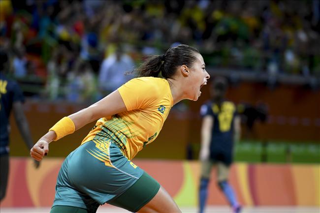 Brasil terminou a primeira fase com quatro vitórias e uma derrota. (Divulgação/CBHb)