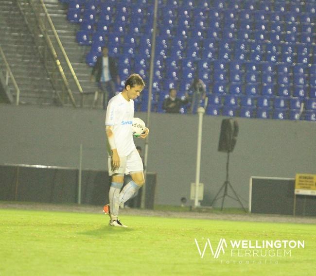 Keirrison marcou o primeiro do LEC. (Wellington Ferrugem/ Londrina)