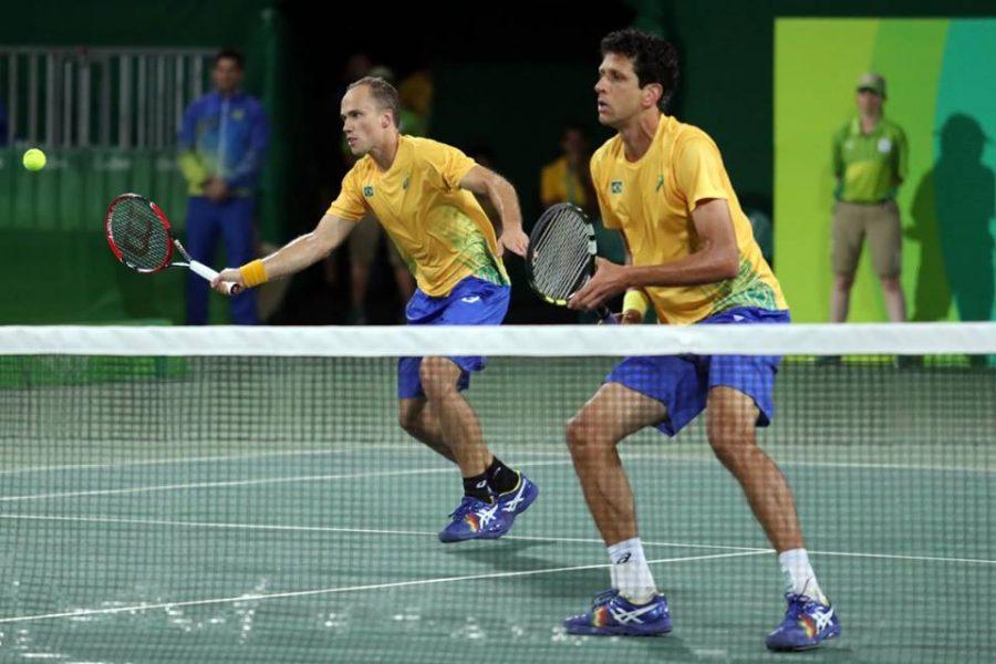 Melo e Soares estão a duas vitórias da final olímpica. (Cristiano Andújar/CBT)