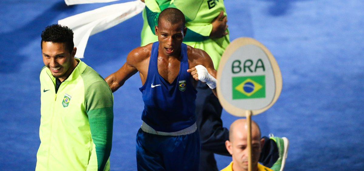 Robson Conceição ganhou todos os combates por decisão unânime. (Divulgação/Time Brasil)