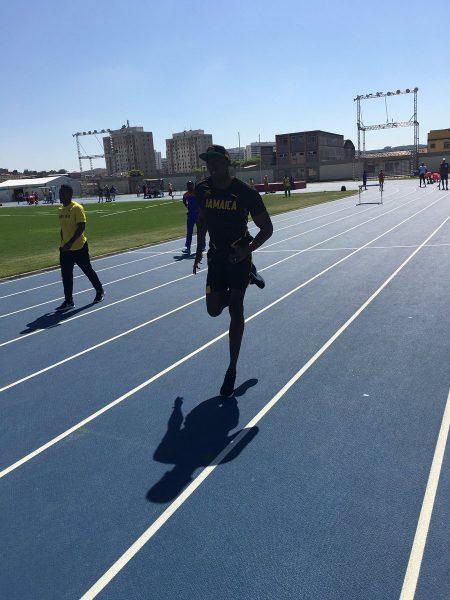 Usain Bolt disputa a semifinal e a final neste domingo. (Reprodução/Twitter)