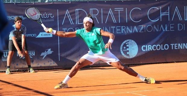 João Souza é o principal favorito no Aberto de Tênis do Paraná. (Divulgação)