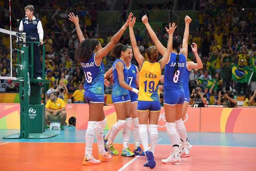 Brasil ainda não perdeu sets na competição. (Divulgação/CBV)