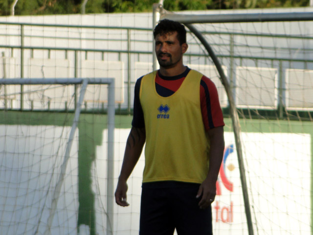 Leandro Silva, suspenso, não joga contra o Vila. (Monique Vilela/ Banda B)