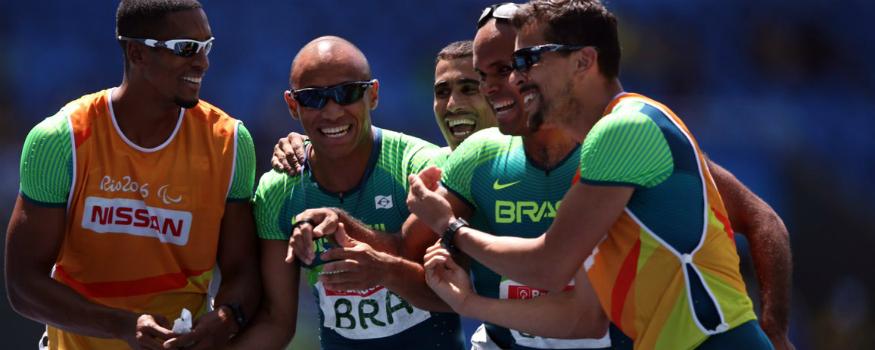 Revezamento brasileiro levou ouro. (Twitter/Brasil 2016)