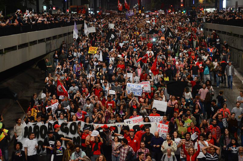 São Paulo -Manifestantes pedem novas eleições durante ato na Avenida Paulista (Rovena Rosa/Agência Brasil)