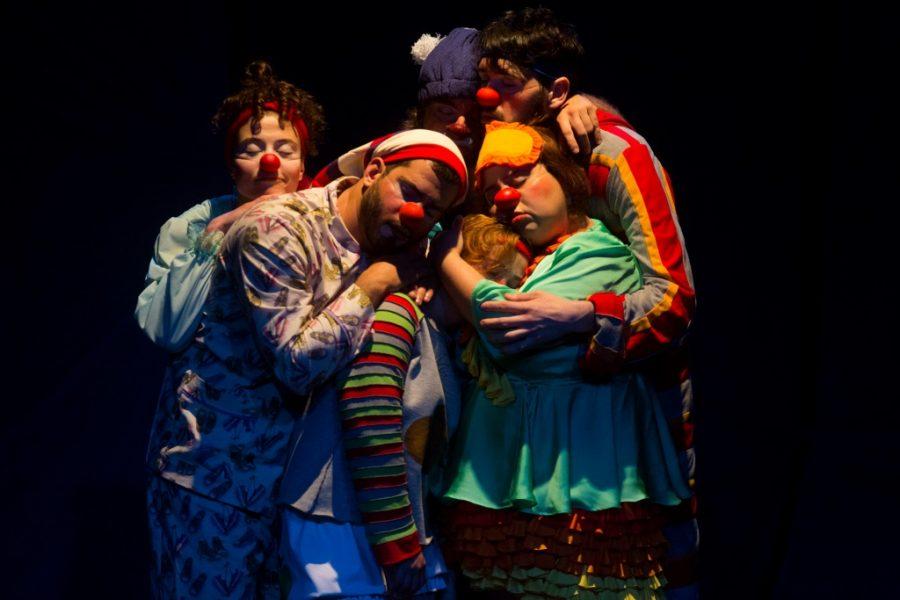 Apresentação Boa Noite, dos palhaços da Trupe da Saúde no Teatro José Maria Santos. Curitiba, 08/08/2015 Foto: Brunno Covello