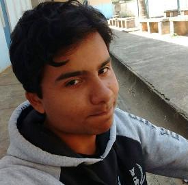 Lucas foi assassinado dentro da escola (Foto: Reprodução Facebook)