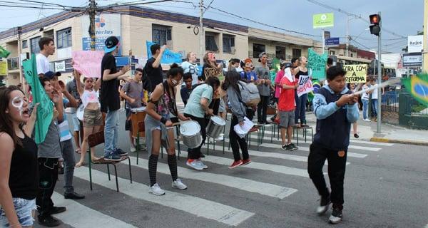 Foto: EE De Estudante para Estudante/Reprodução Facebook