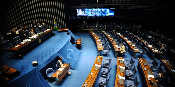 Plenário do Senado aprovou os projetos de decreto legislativo que criam o Banco do Brics, formado por Brasil, Rússia, Índia, China e África do Sul (Fabio Rodrigues Pozzebom/Agência Brasil)