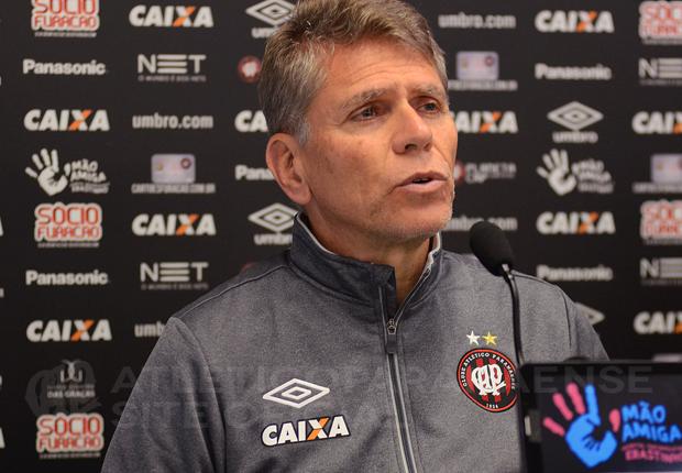 """Autuori afirmou que termina a temporada """"satisfeito"""" com o Atlético. (Banda B)"""