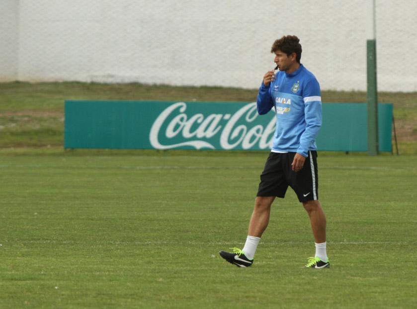 Tcheco comandará o departamento de futebol junto com Rodrigo Pastana. (Divulgação/Coritiba)