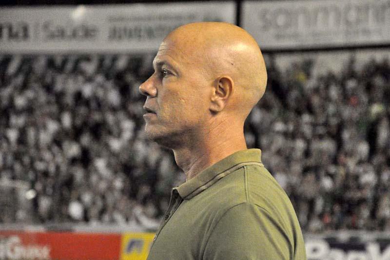 Zago terá a missão de colocar o Inter na Série A em 2017. (Divulgação)