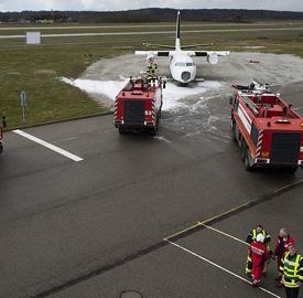 Resultado de imagem para Avião cai na Suíça e deixa duas vítimas; foi o quarto incidente com aeronaves no mesmo dia