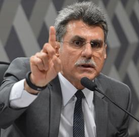 A Comissão de Reforma Política reúne-se para analisar a  proposta que prevê novas eleições se o eleito em cargo majoritário for cassado ou perder o mandato por outro motivo (Fabio Rodrigues Pozzebom/Agência Brasil)