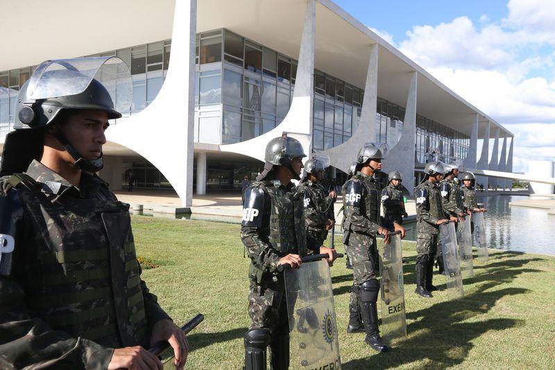 Ministério da Defesa alega que volta do auxílio-moradia para as Forças Armadas custaria R$ 2,2 bilhões aos cofres da União
