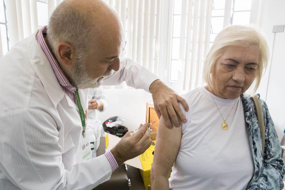 3412448a1a Dia D contra a gripe tem vacinação em 18 postos de saúde neste ...