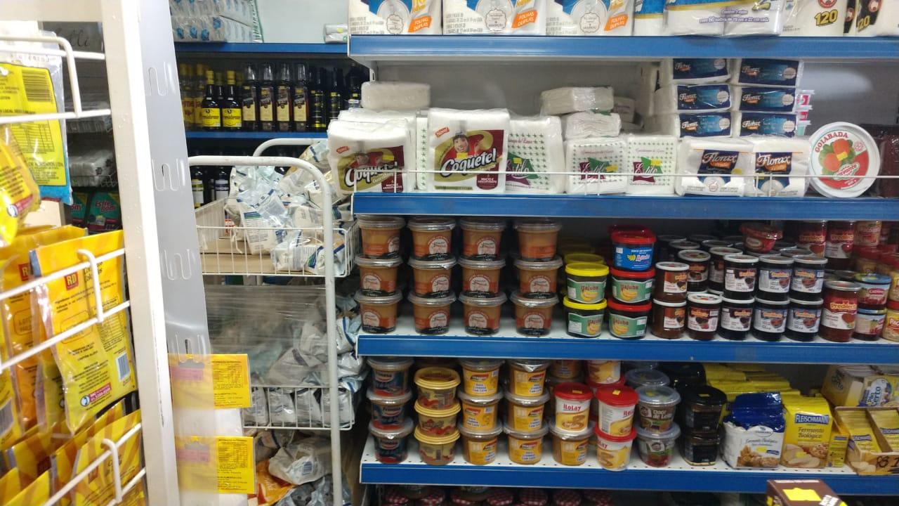 Resultado de imagem para desabastecimento nos supermercados