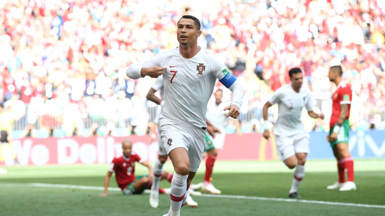 Cristiano Ronaldo marcou todos os gols de Portugal na Copa. (FIFA Getty  Images) ebf98474d48b8