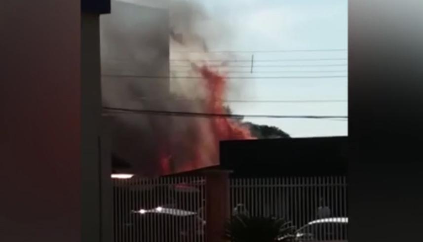 Bar Com Torcedores Do Brasil Pega Fogo Após Comemoração Com Fogos De  Artifício