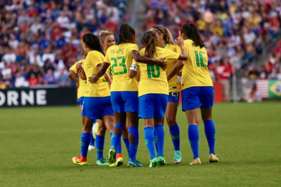 Como está o trabalho da seleção brasileira de futebol feminino  2b1f2d3f343dd