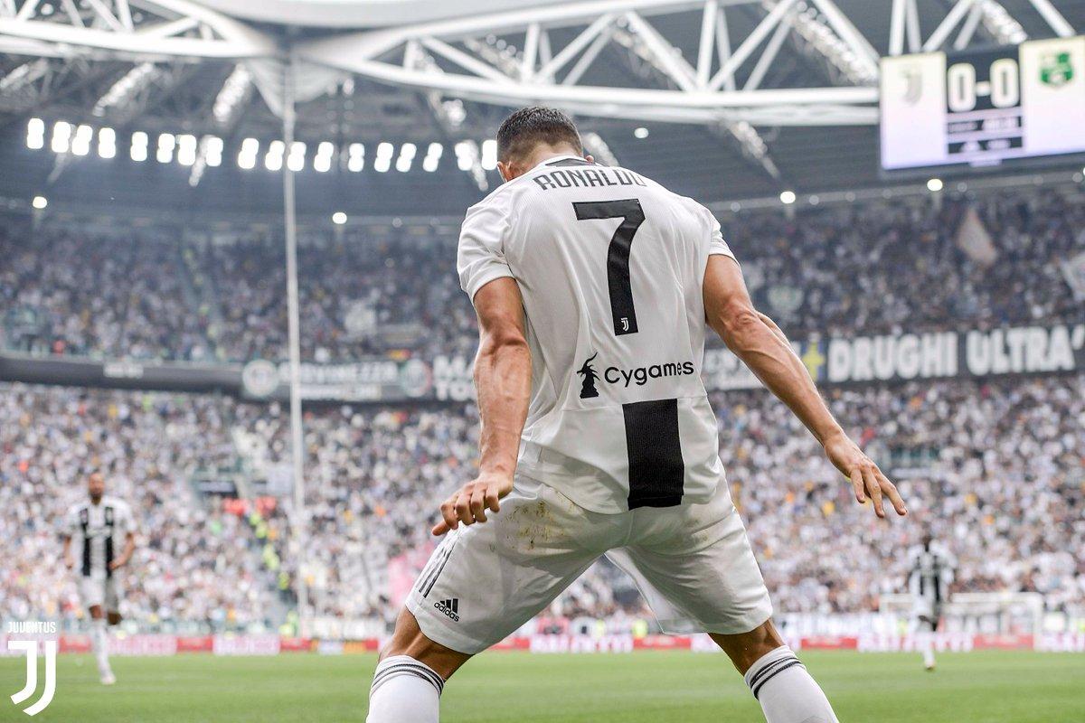 Cristiano Ronaldo desencanta e marca dois na vitória da Juventus ... 2091145515cab