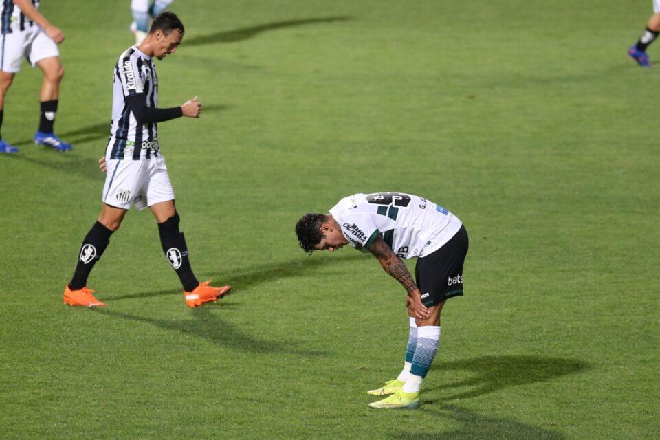 Coritiba perdeu em casa para o Santos.
