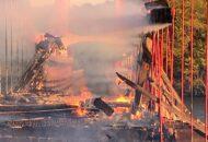 ponte histórica incendiada