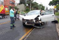 acidente na curva de cruzamento no Vista Alegre