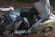 acidente entre carro e caminhão deixa idoso morto