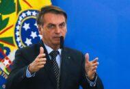 Bolsonaro suspende compra de seringas