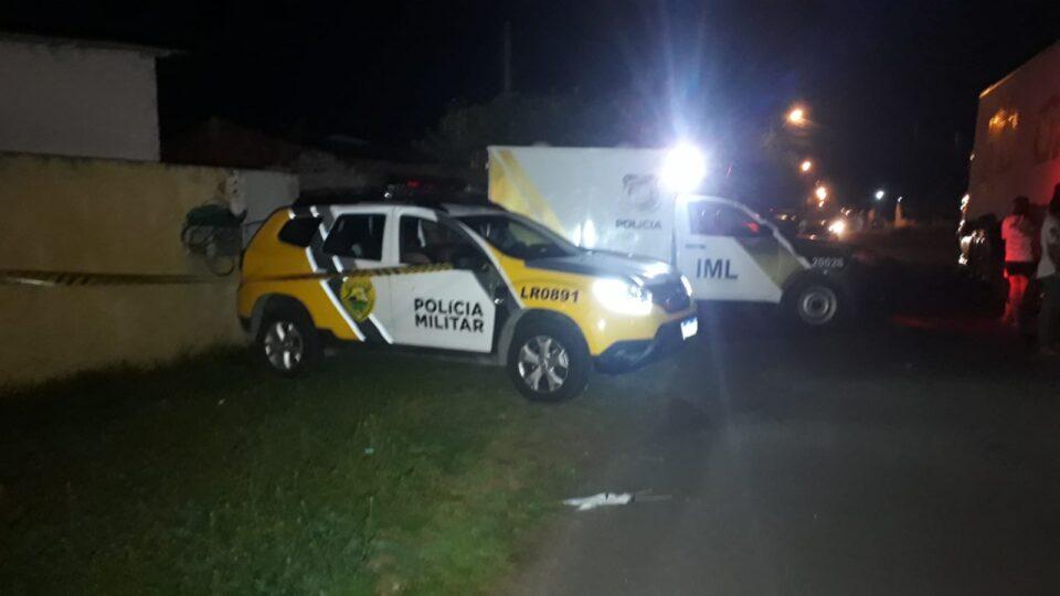Mulher encontra cunhada morta no sofá de lar em São José dos Pinhais